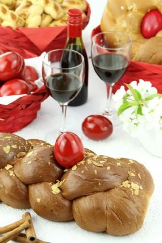 红酒面包和西红柿图片